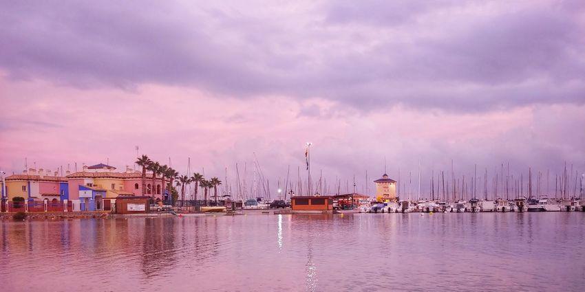 LG V30 Sky Wolken City Cityscape Water Harbor Nautical Vessel Sea Sunset Commercial Dock Urban Skyline Reflection