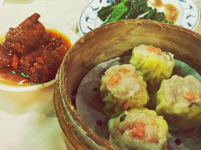 吃飲茶怎少的了燒賣、鳳爪跟芥蘭 Hongkongfood Enjoying Life