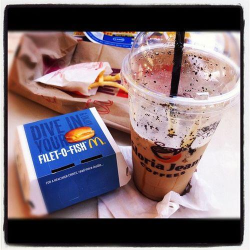 Saturday lunch! Gloriajeans Caramelvoltage Filletofish Yum ?❤?☕