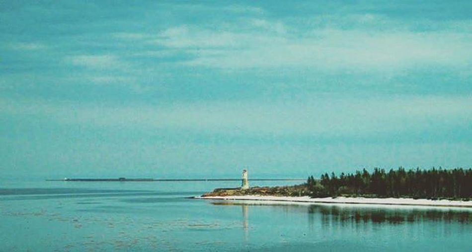 This was taken when my Dad and I were on our Adventure exploring Easterncanada . This was looking back at Newbrunswick right after getting on the Confederationbridge on our way to Pei