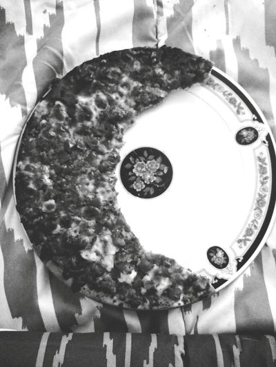 """When a moon hits your eye like a big pizza pie that's amore"" Thincrust Brunch Crispypizza Thatsamore Cresent Moon Pesto Pestopizza Pizza Margeritepizza"