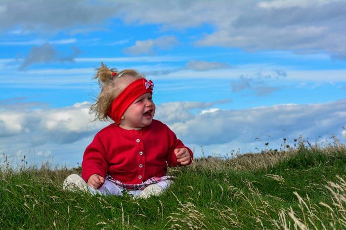 Red Child Childhood Baby Fun Happiness Nature Sky Loveit Beautifull Pictureoftheday Picutre First Eyeem Photo Blue Skies Ireland Grass Girl Beauty In Nature Cute Toddler  Kidsphotography Kids Photography Kids_of_our_world Kidstyle