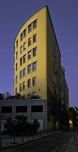 Architecture Blue Sky City Corner Day Light And Shadow Madrid No People Outdoors Peculiar Bui Street Sunset Light