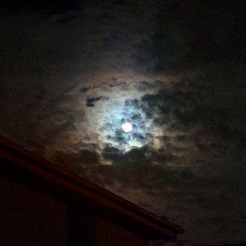 Sydney Monday Nightsky Moon Laluna Luna Sky Clouds Skyporn Mysterious Beauty Supermoon August31 Fullmoon Lastdayofwinter Nofilter Nexus5 Hdrplus Goodevening  Goodnight