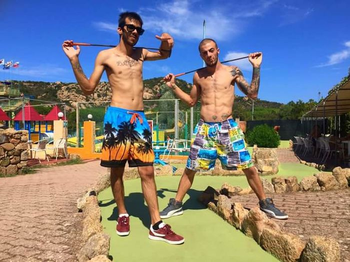 Hi guys, this photo is participating in a photo contest, I ask you please leave a like on facebook to help me win, thanks 💪 Aquapark Aquadream Contest Minigolf Guys Me Portrait Full Length Smiling Shirtless Summer Sport Fun Sky