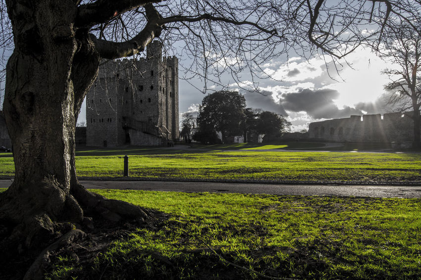 The castle seige Old Buildings Castle Viewpoint Shadows & Lights Hanging Out Check This Out Hello World Enjoying Life Castle Walls Castle Hill