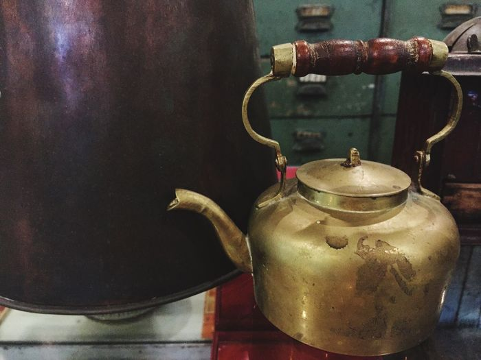 Anitque teapot Teapot Close-up Indoors  No People Household Equipment Metal Kettle Old Still Life Tea Kettle Container Kitchen Utensil Focus On Foreground Handle Antique Appliance Ceramics Tea Table Crockery