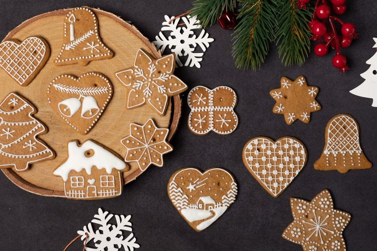 EyeEm Selects Holiday Christmas Celebration Decoration Shape Heart Shape Star Shape Sweet Food Cookie Baked Christmas Decoration No People Tree christmas tree Design Indoors  Food