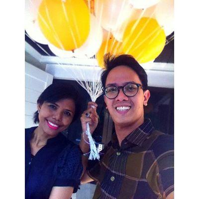 Smile Senyumindonesia Friend Abaikan penjual balonnya.... 😁😁😁
