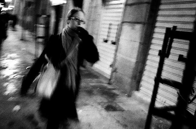 AMPt - Street NEM Street Life In Motion Ricoh Gr NEM Black&white Streetphotography_bw Madrid Flaneur Streetphoto_bw Street Life Blackandwhite Streetphotography Monochrome Blancoynegro Street