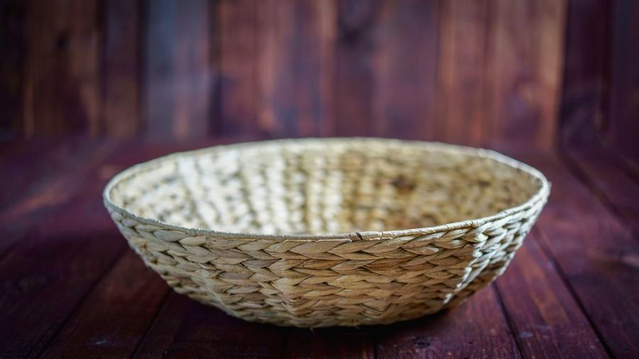 Basket Korb Hello World EyeEm Selects First Eyeem Photo Background Basket Container Wicker Focus On Foreground No People Close-up Indoors  Wood - Material Still Life Textile Wood Luxury