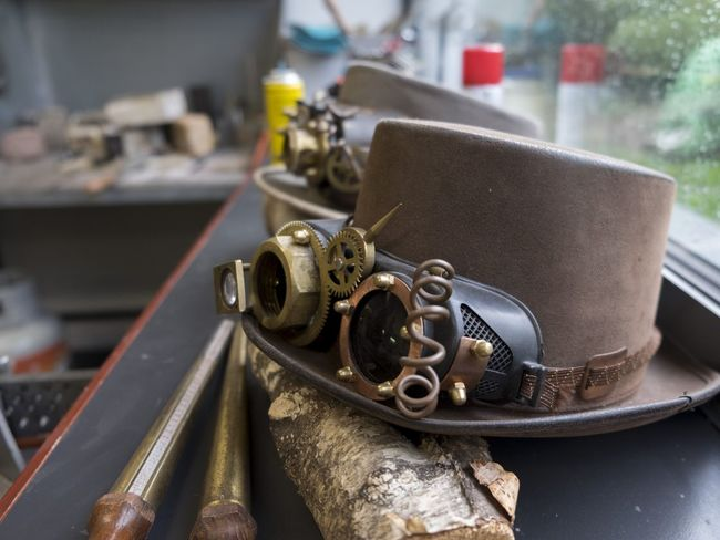The hats of creativity #hat #hats #creative #Silver Watching Inspired Edelsmeden Jewelery Metals #EyeEmSelects #eyeemphotography Close-up No People Indoors  Day