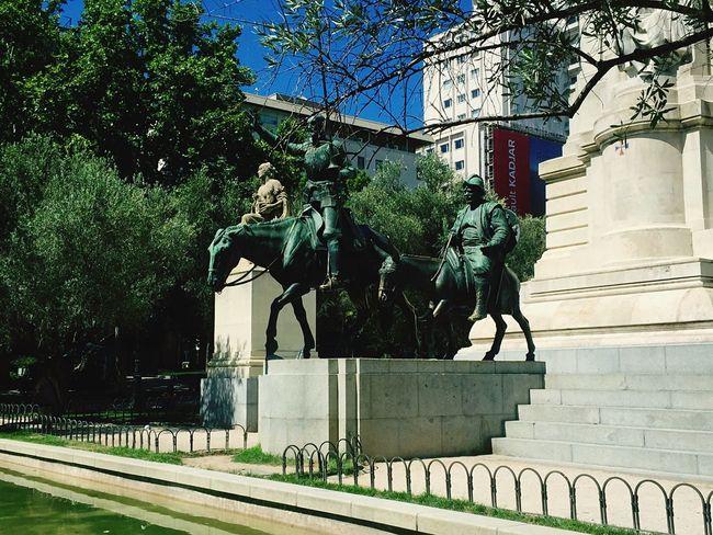 Siempre contigo Don Quijote y Sancho Panza... Madrid Plazadeespana Monuments DonQuixote Sanchopanza Summer2015