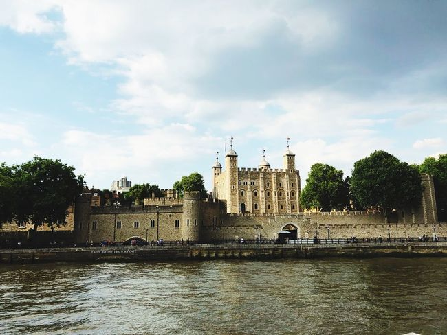 Enjoying the history Tower Of London Built Structure Architecture Building Exterior Water Sky Building Plant River Travel Destinations The Past History Tourism Travel