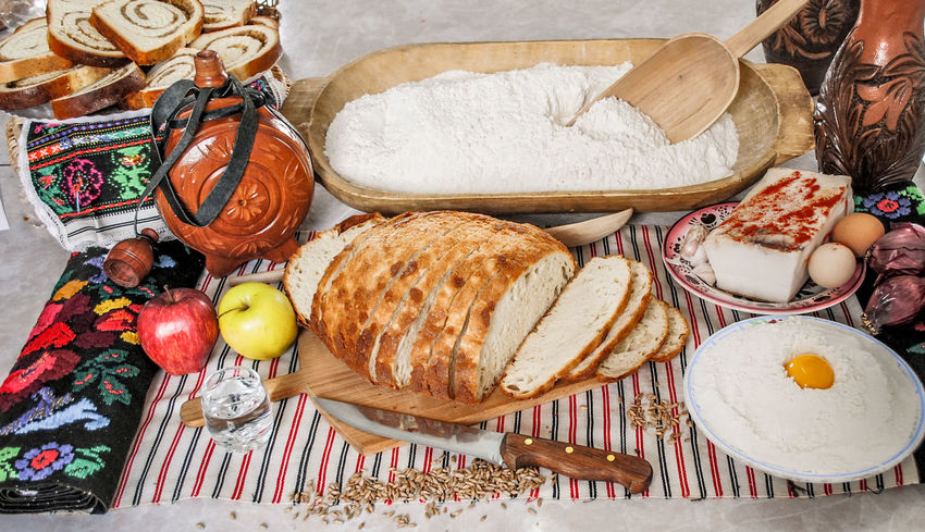 Romanian traditional meal Breakfast Garlic Knife Romanian  Romanian Tradition Basket Bread Day Food Food And Drink Foodphotography Freshness Healthy Eating Indoors  No People Ready-to-eat Romanian Food Tomato Variation