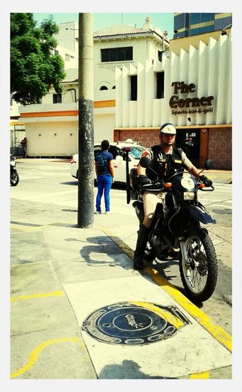 Streetphotography Candid Cops Police Shootermag Miraflores Late Post