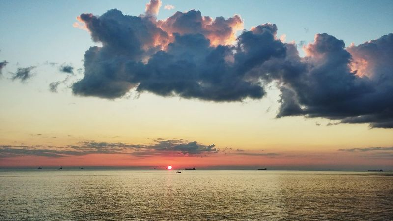 Sunset_collection Atsea Shipview Ships In The Sunset Bye Bye Sun Clouds And Sky EyeEm Around The World