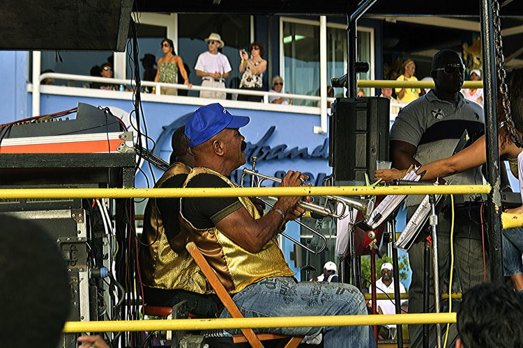 The carnival parade in Willemstad, Curaçao Adult Adults Only Carnival In Curaçao Carnival Spirit Day Headwear Indoors  Marching Band Men One Man Only Only Men People Responsibility Teamwork Young Adult