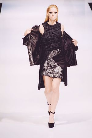 Striking Fashion Fashion Photography Fashion Show Fashioneditorial Klfwrtw2015 Photojournalism Female Model