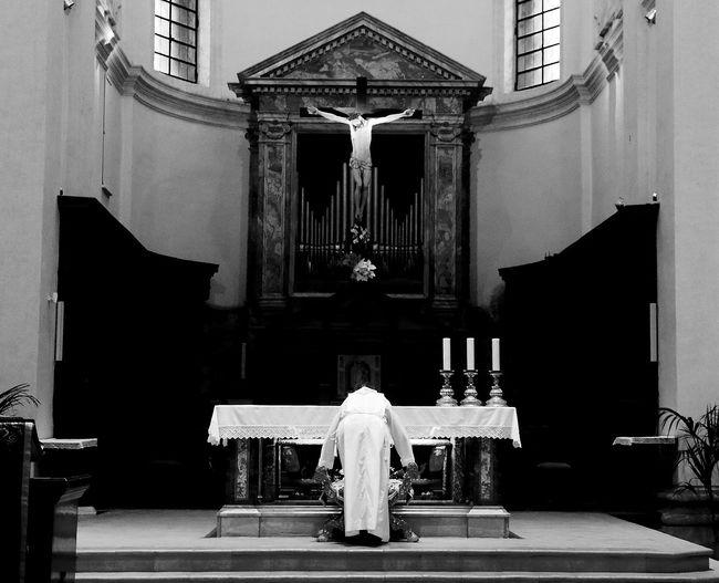 Assisi Basilica Inferiore Basilica Superiore Chiesa Di San Francesco Meditation Prayer Priest S.Francesco