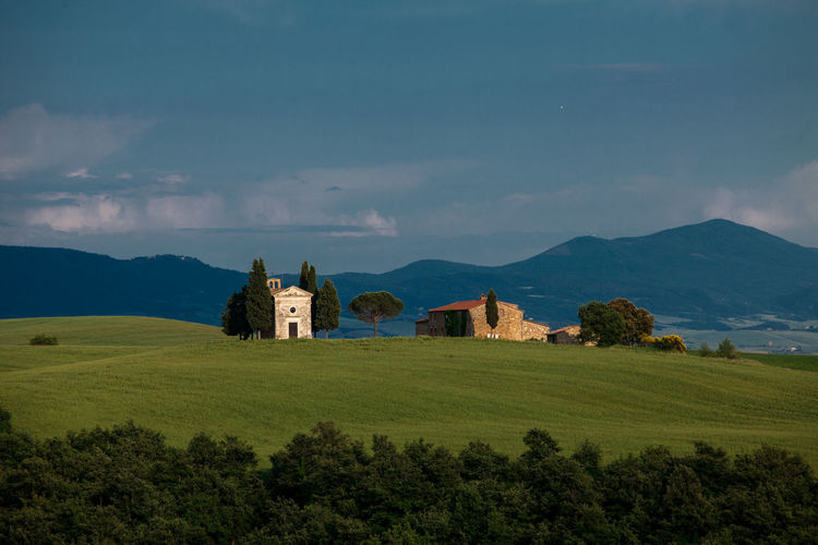 Val D'Orcia, Tuscany, Italy. Travelling through the countryside. Agriculture Architecture Architecture Beauty In Nature Building Exterior Built Structure Church Church Coutryside Field Fieldscape Green Italia Italy Landscape Nature No People Non Urban Scene Non-urban Scene Place Of Worship Scenics Tranquil Scene Tranquility Tree Tuscany