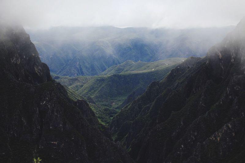 Paisaje Hidalguense. Neblina Moody Nature Tolantongo Hidalgo, México Mexican Landscape Mountain Nature Beauty In Nature Landscape Fog Outdoors Day Scenics