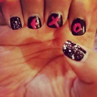 ? my nails exo exo yeah احم ترا مو ذاك الزود اول مره احاول ارسم على اظافرري ? اكسوتيك اكسو_شو_تايم اكسو اي_اكس_او exo exotic nails