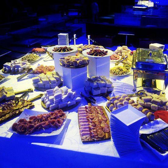 Non mi dite niente ma posso resistere a tutto tranne che alla tentazione.... Jóia  Restaraunt Club Buffet Dinner Match Napoli