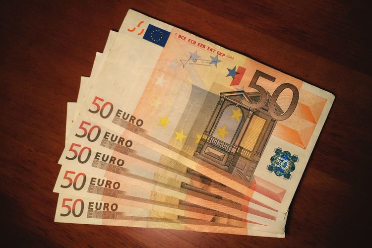 250 50 EUR Europe Money Moneyshot Euro Lifegoals Life Engine Lifeenjoyer Money, Its A Gas Worldsengine Art Studio Shot AWARD Salary Job Working Work Unpaid Robber