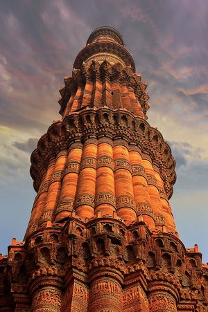 Hanging Out Indianarchitecture Indianmonument Qutabminar