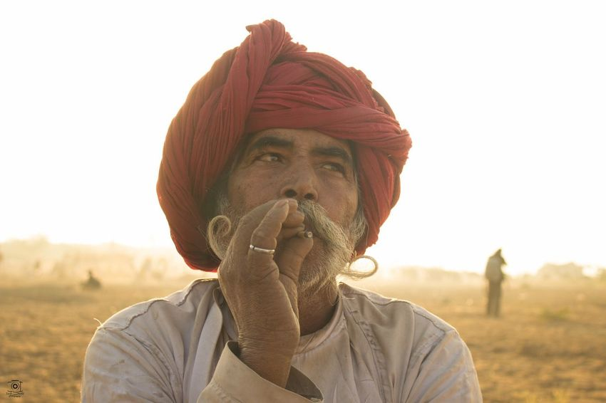 Portrait Man Smoking Pushkar Fair Camels Fair Headshots Fair Morning Traditional Smoking Man Oldman Turban