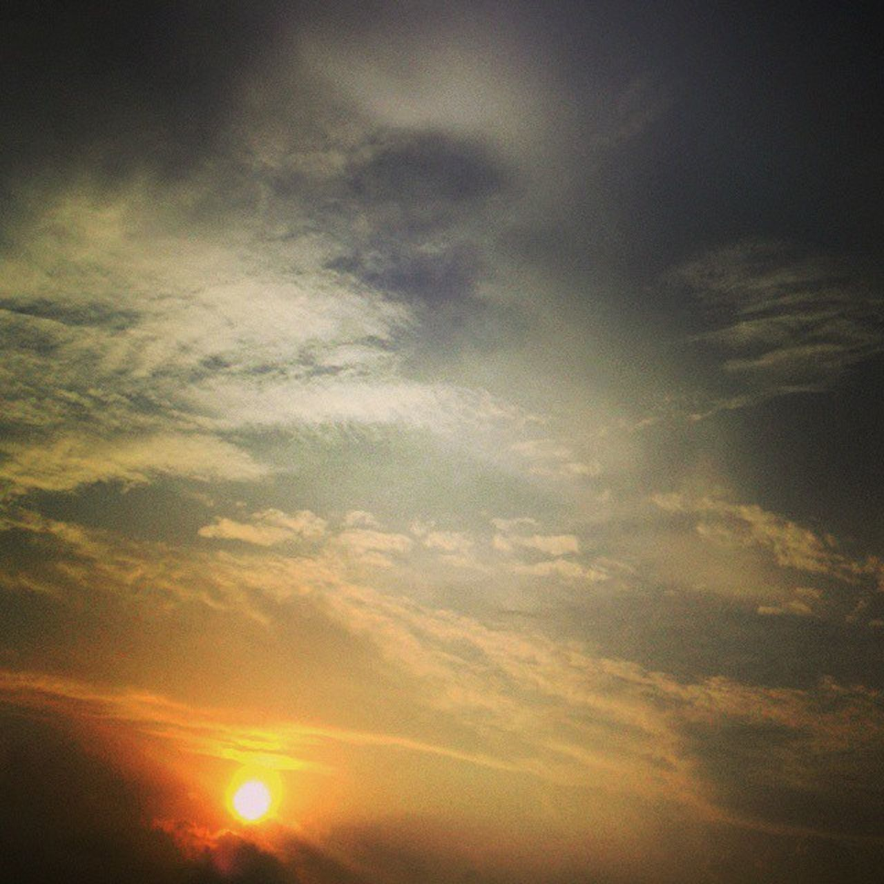 beauty in nature, nature, sky, scenics, sunset, tranquility, cloud - sky, sun, low angle view, sky only, no people, outdoors, day