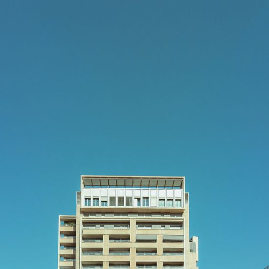 Architecture Looking Up Building Clear Sky Lookingupatbuildings Architecturelovers Arkiromantix Arkitektur Architecturephotography Architecture Minimal_lookup Urban Skyline Urban Photography Copy Space Clear Sky Blue No People Low Angle View Day Sky Nature Outdoors