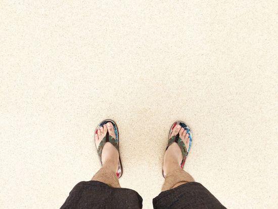 毎年、南の島の海と砂浜で、足の先から元気をもらう事にしている。 Flip-flop Sea Beach Sand Summer Relaxing さんぽ Walking Walking Around From My Point Of View 宮古島 Miyakojima