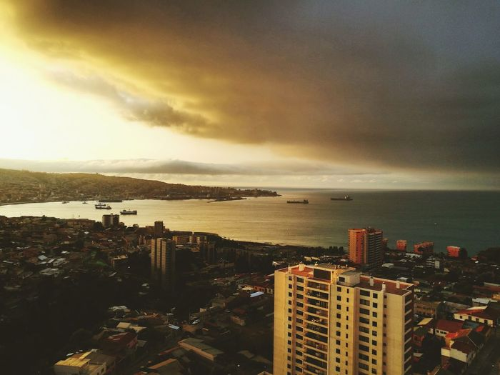 Spot Valparaíso. Chile Dramatic Sky Scenics Sea Cloud - Sky Urban Skyline Outdoors Business Finance And Industry Sunset City No People Cityscape Sky Water Beauty In Nature Nature Skyscraper Night spot Chile valpo december City P9 Huawei Valpogram Chile♥ Valpo Pic Of The Day