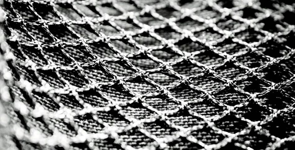 AnaGraph™ Full Frame Backgrounds Pattern No People Close-up Net Canon Canonphotography Blackandwhite Contrast Shapes Continuous Reality Sharp Border Silver  Illuminated Light And Shadow Focus Simple Nofilter Abstract Joints Cross Black And White Friday Adventures In The City