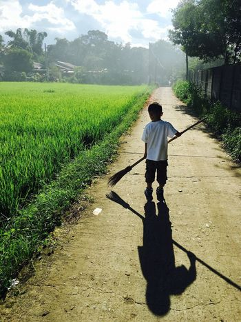 Live For The Story Agriculture Growth Field One Person Nature Day Shadow Outdoors Sunlight Lifestyles Real People Full Length Men Sky Adult People Adults Only EyeEm Ready   The Great Outdoors - 2018 EyeEm Awards 10