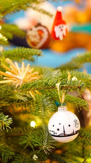Weinachtskugel EyeEm Selects Christmas Celebration Christmas Decoration Decoration christmas tree Tree Holiday Christmas Ornament Close-up Representation Celebration Event No People Human Representation Plant Holiday - Event Focus On Foreground Hanging Event Festival