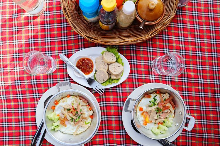 Breakfast. Water Drinks Hot Lunch Eating Egg Food Food And Drink Foodphotography Chicken Eggs Egg Breakfast Fried Ingredient Happy Plate Basket Vegetable High Angle View Prepared Food Salad Bowl Tomato Served Sandwich Serving Size Cucumber Greek Salad Lettuce Salad