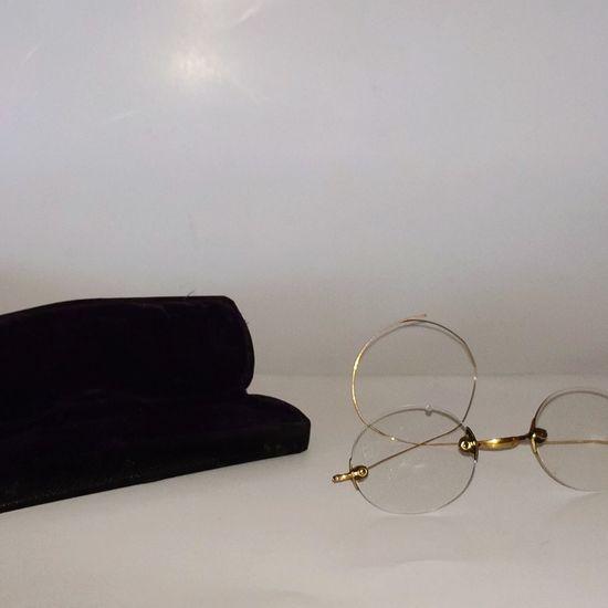 Super Retro, glasses & case, antique glasses, antique glass case, wire rim glasses