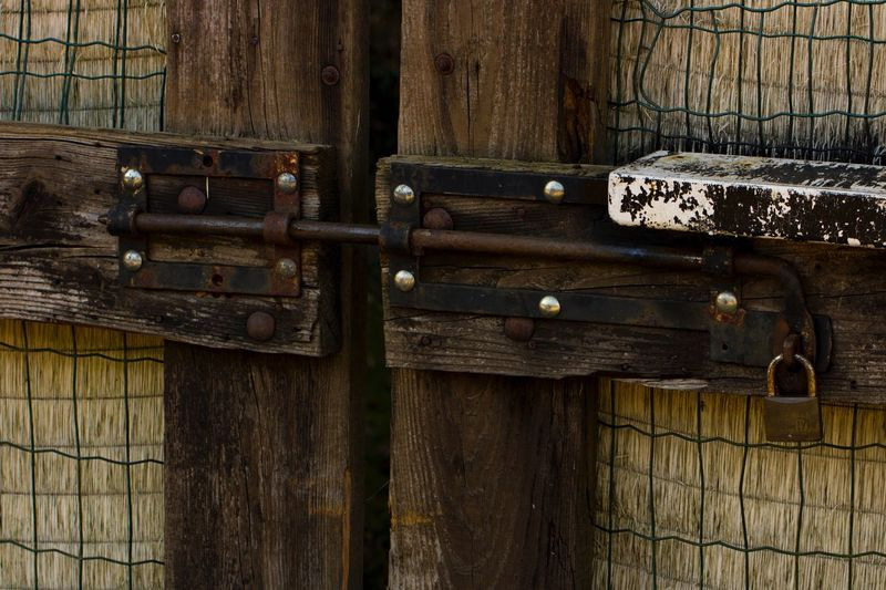 Lock Wood - Material Closed Backgrounds Full Frame Brown No People Close-up Day Outdoors Latch (null)