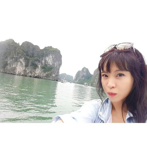 Another Selfie in Halongbay Can't get enough of selfie in this wonderful place Halong HalongbayCruise Vietnam Trusty Travelmaniac Traveler Travel Photography MiuMiu Asia amazingdestination 2015.03.04