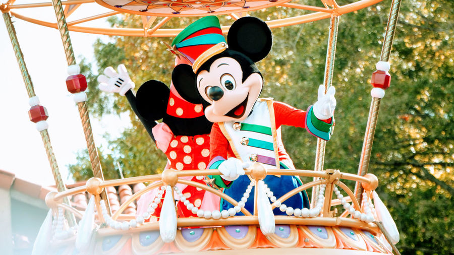 Adult Day Disney Disneyland DisneyWorld Mickey Mickey Mouse Mickeymouse Outdoors People Real People Two People