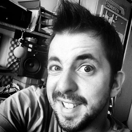 it's time for a f***ing haircut... :D Manieck Edm Edmlife Dj Fuckinglonghair