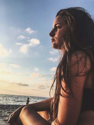 Real People Beautiful Woman Side View Beach Beauty In Nature Lifestyles Horizon Over Water Beauty Girl Girlfriend EyeEmNewHere TCPM Live For The Story