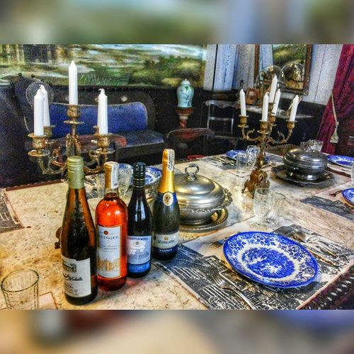 Wine sesh 🍷 . . . Winegasm Wine Foodporn Wineculture themanansala