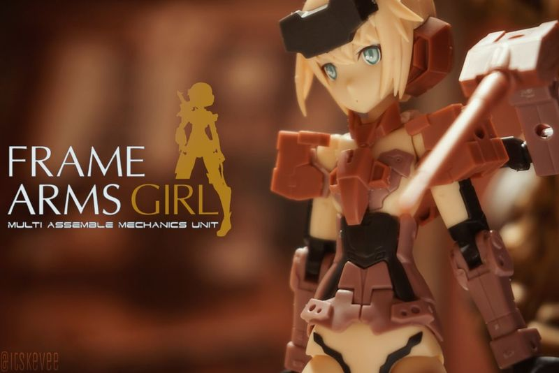 Cyborg Close-up Communication Focus On Foreground Frame Arms Girl Jinrai Kotobukiya Large Group Of Objects Retail  Retail Display Symbol Text Western Script