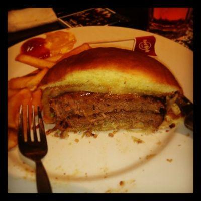 昨日アップルコブラー食べたかったぁ~??but loved it??腹減ったぁー!! Hardrockcafe Japan Ueno 2 meathamburgeryumjuicyfull