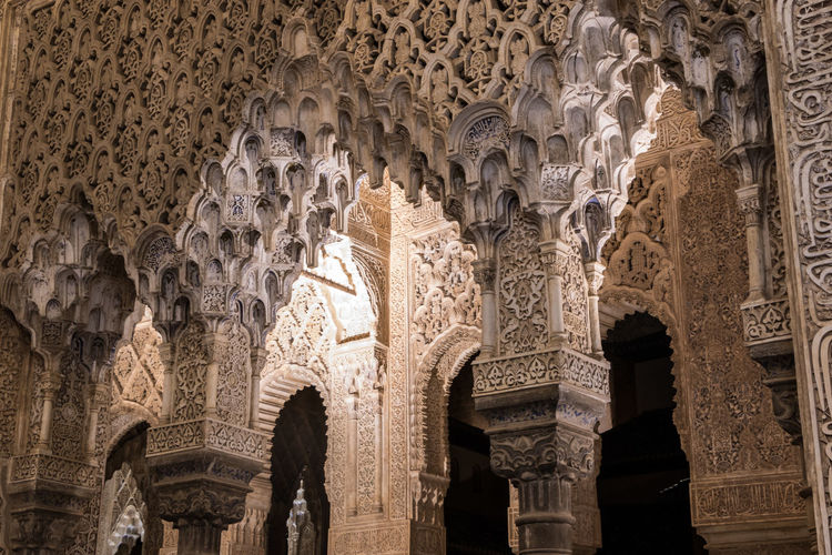 Details of Alhambra of Granada Alhambra Alhambra De Granada  Granada Andalucía SPAIN España Architecture Built Structure History The Past Building Building Exterior Travel Destinations Tourism Arch Ornate Craft Low Angle View Architectural Column No People Art And Craft Belief Place Of Worship Religion Creativity Spirituality Ceiling Architecture And Art Ancient Civilization