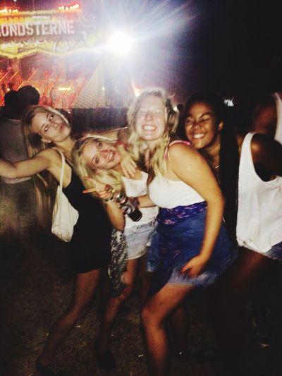 Party Friends Girls Festival Sonnemondsternefestival